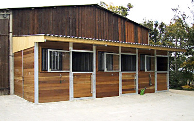 Aktuell sind alle Pferdeplätze belegt.